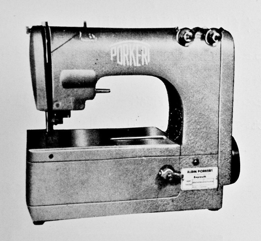 アルビン・ポーカート社の高速度1本針ナイフ付二重環縫ミシン「デウィッタLK70/3」。